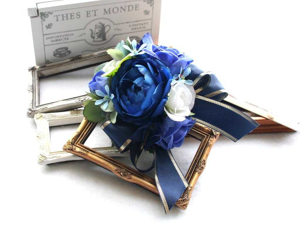 ブルー系を集めたバラのコサージュ:CS046