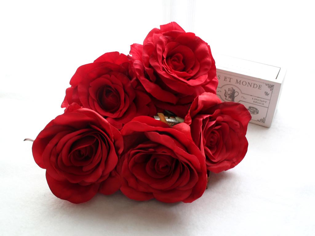 赤バラのみのパーツの髪飾り(5パーツ)
