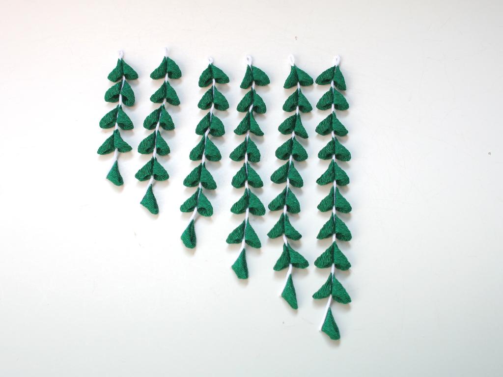 濃グリーン色のちりめん下がり(6本セット)