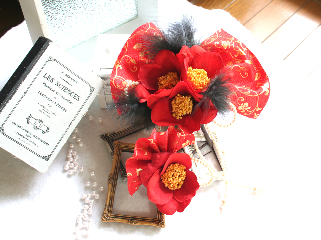椿と金襴の髪飾り2つセット